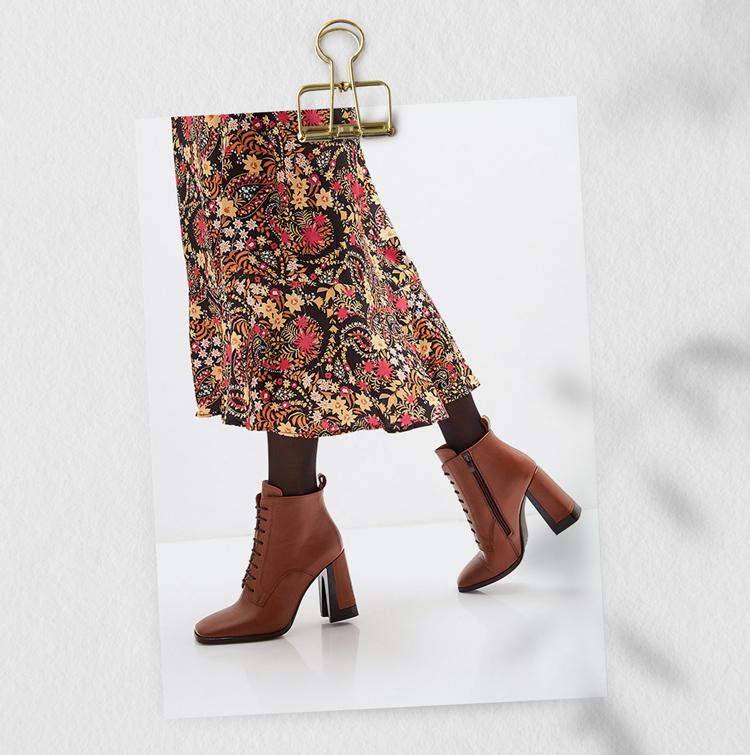 Ботильоны коричневые на шнурках