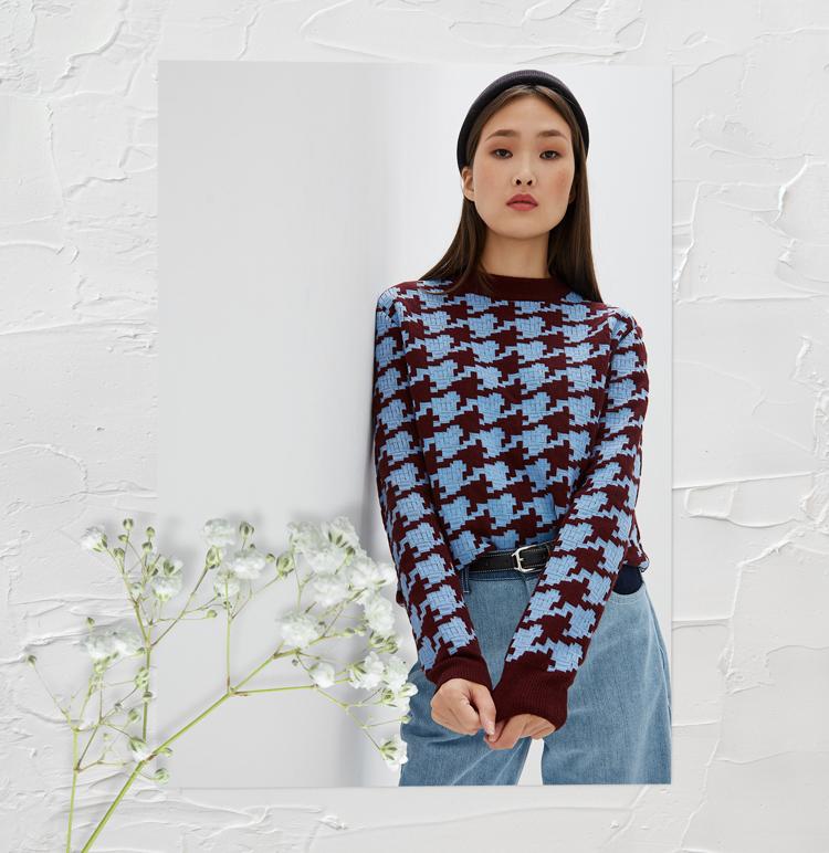 свитер в гусиную лапку