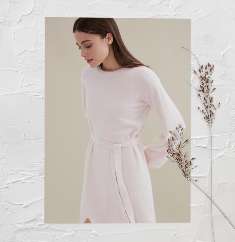Пушистое платье-свитер