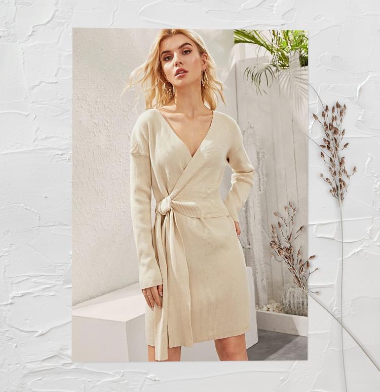 Платье трикотажное на запах