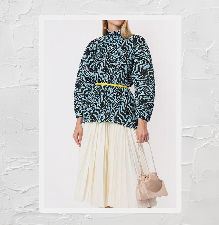 блузка с плиссировкой и анималистичным принтом