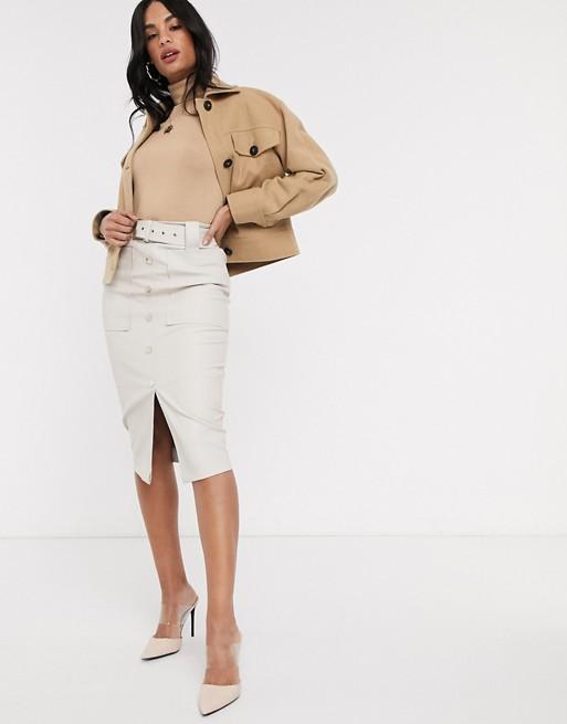 Белая юбка миди из искусственной кожи с поясом