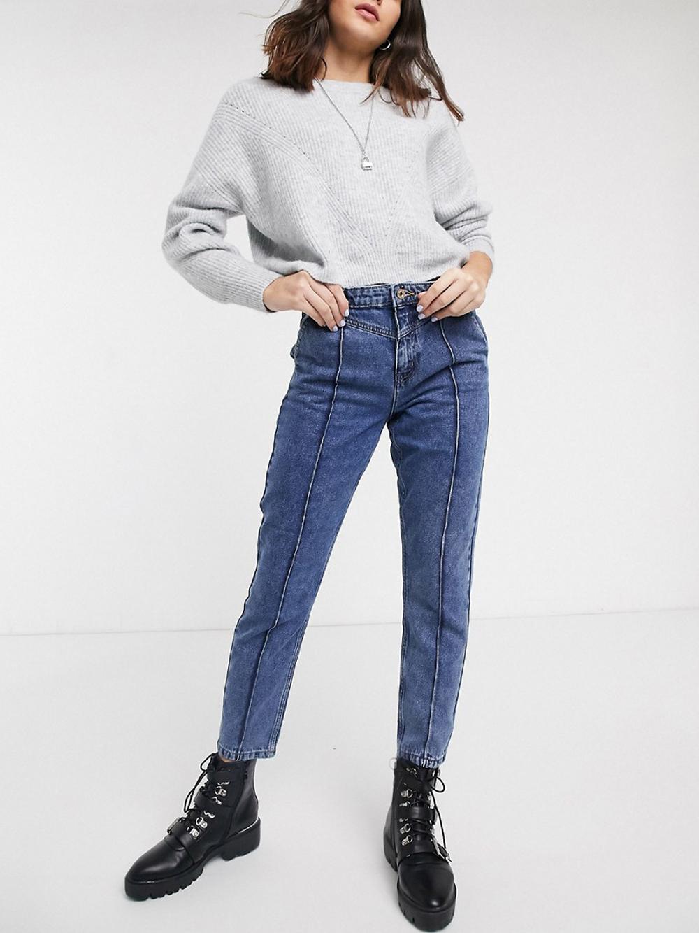 Синие джинсы в винтажном стиле с отделочными швами