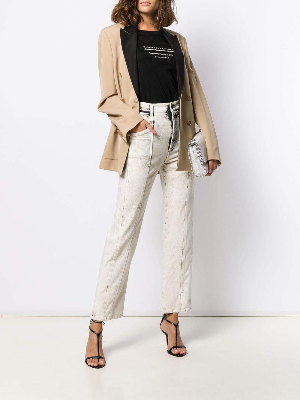 прямые джинсы с декоративной строчкой