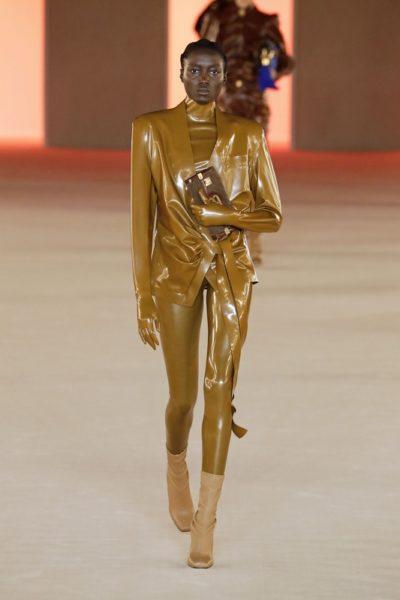 Показ женской коллекции Balmain осень-зима 2020-2021 Ready-to-wear на неделе моды в Париже