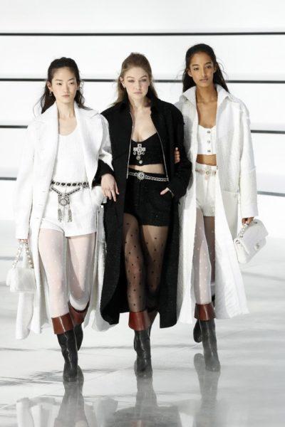 Показ женской коллекции Chanel осень-зима 2020-2021 Ready-to-wear на неделе моды в Париже