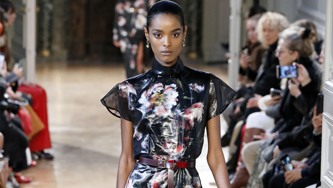 Показ женской коллекции Altuzarra осень-зима 2020-2021 Ready-to-wear на неделе моды в Париже