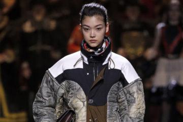 Показ Louis Vuitton осень-зима 2020-2021