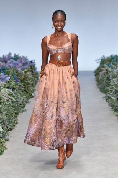 Показ женской коллекции Zimmermann весна-лето 2021 Ready-to-wear на неделе моды в в Нью-Йорке