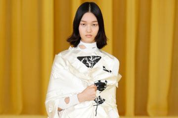 Показ женской коллекции Prada весна-лето 2021 Ready-to-wear на неделе моды в Милане